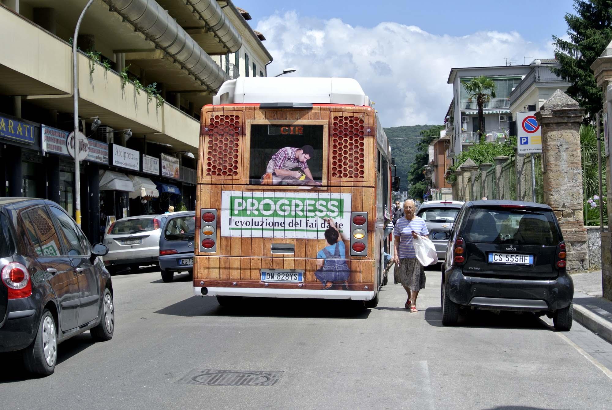A caserta l 39 autobus targato progress for Progress caserta catalogo