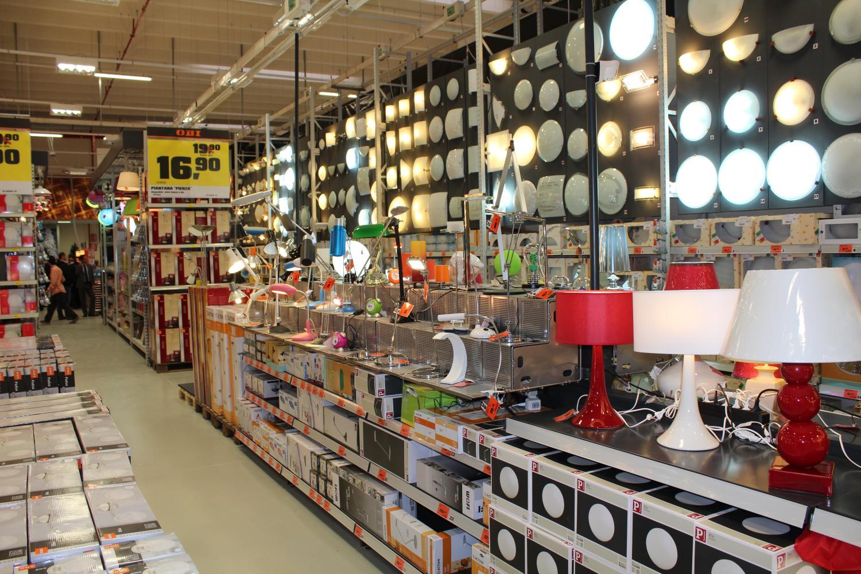 la fotogallery del nuovo punto vendita obi di udine